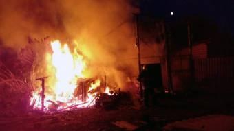 У Кременчуцькому районі в господарстві згорів дрівник