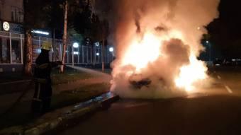 У Кременчуці згорів автомобіль «Toyota»