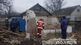 У Кременчуцькому районі на чоловіка упав дах