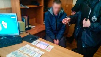Жителя Зіньківського району викрили у спробі підкупу поліцейського