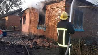 Під час гасіння пожежі в будинку в Новосанжарському районі вогнеборці виявили тіло господаря