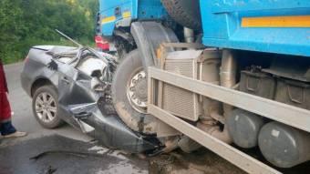 У Опішні зіткнулися вантажівка та легковик - водій останнього автомобіля загинув
