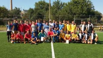 Святковий міні–футбольний турнір виграє «Маяк»