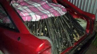 У Решетилівці поліцейські зупинили автомобіль з повним багажником крадених кабелів