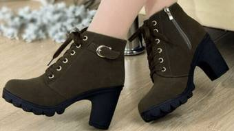 Ботинки в моде при осенней погоде