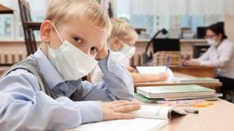 Якщо дитина не хворіла, вимагати довідку за відсутність її у закладі освіти – незаконно