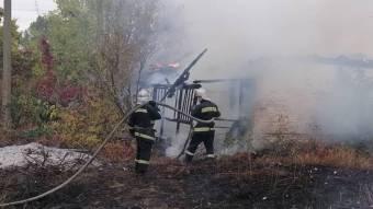 У Зіньківському районі згоріла будівля