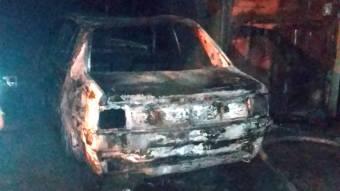 У Полтаві в гаражі згорів автомобіль