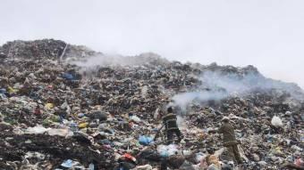 Під Полтавою знову горить сміттєзвалище