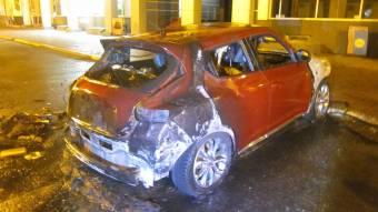 У Кременчуці згорів Nissan Juke – поліція підозрює підпал