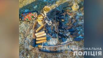 У жителя Полтавщини виявили схрон зі зброєю та боєприпасами