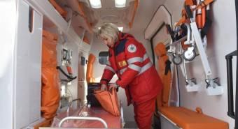 Медики рятували п'яну бабусю, у якої «відмовили» ноги
