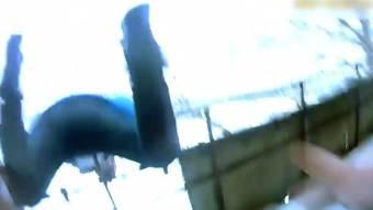 Кременчуцькі поліцейські врятували чоловіка, який намагався вистрибнути з балкону
