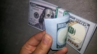 У Полтаві пенсіонерка «обміняла» кілька тисяч доларів на сувенірні гроші