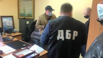 На Дніпропетровщині ДБР повідомило про підозру поліцейському, який вимагав гроші у підприємця