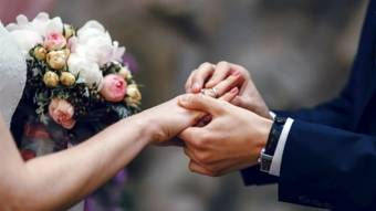 Чоловік за місяць одружився 4 рази, щоб не йти на роботу
