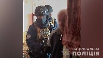 На Полтавщині поліція викрила наркопритон у якому виготовляли опій