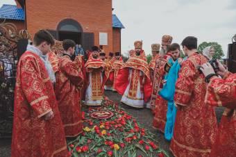 Свято–Покровський храм освятив митрополит Филип
