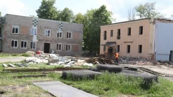 У Решетилівці у межах «Великого будівництва» реконструюють спортивний комплекс «Колос»