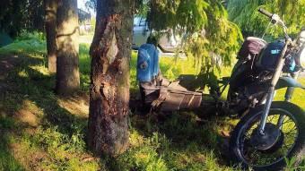 У Козельщинській ОТГ мотоцикліст зіткнувся з деревом