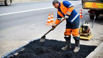 У Червоний Квітах, Степовому та Бутенках ремонтуватимуть дороги