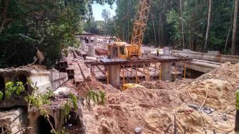 У Шишацькій громаді почали встановлювати опори моста через Псел