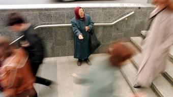 Скільки громадян живуть замежею бідності