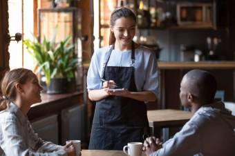 Чим більше англійських фраз для офіціантів, тим кращі чайові!