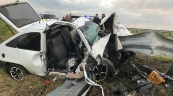 На Лубенщині автомобіль врізався у відбійник: постраждало двоє дітей