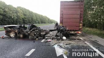 На Лубенщині легковик врізався у вантажівку – 19-річний посажир загинув