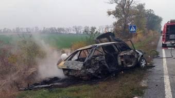 Біля Козельщини зіткнулися «Москвич» і вантажівка: водій легковика ледь не згорів