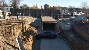 У Бережнівці машина впала у підземний перехід
