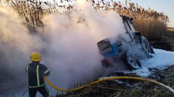 На Чутівщині і полі загорівся трактор