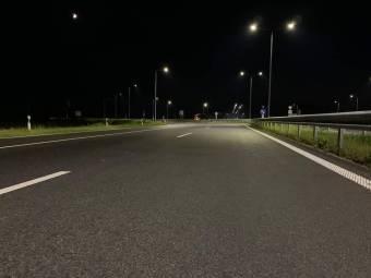 Першу лінію освітлення на новій дорозі Н-31 підключено до електромережі