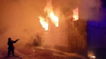 У Решетилівському районі вогнеборці ліквідували пожежу в безгосподарчій будівлі