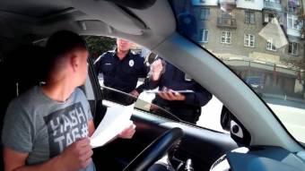 Водіїв хочуть штрафувати за образу поліцейського