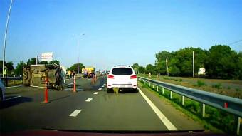 На трасі Київ-Харків зіткнулися два мікроавтобуси: 10 людей у лікарні